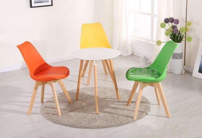 Ghế DSW thân nhựa chân gỗ và bàn tròn TE DAW 2-08W