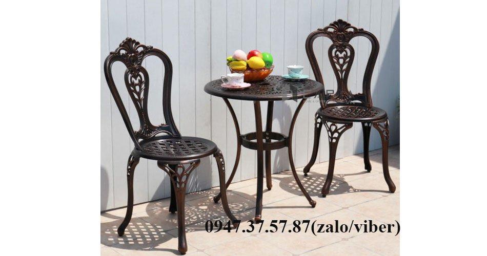 Bàn ghế cafe ngoài trời 2 ghế nhôm đúc nhập khẩu